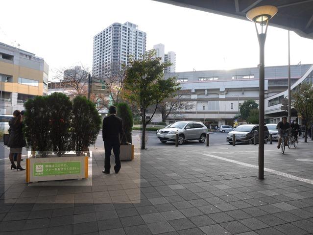 武蔵浦和東口喫煙所