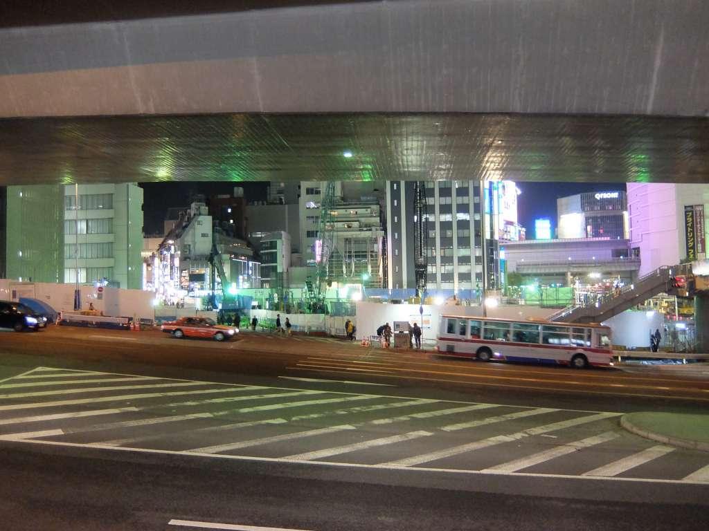 渋谷駅近くのビル工事現場